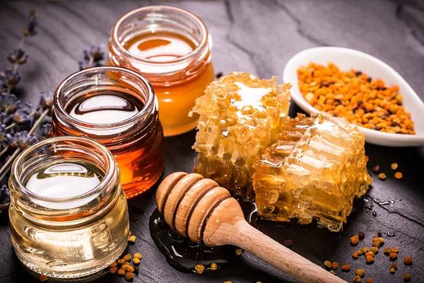 Применяемый от прыщей мед
