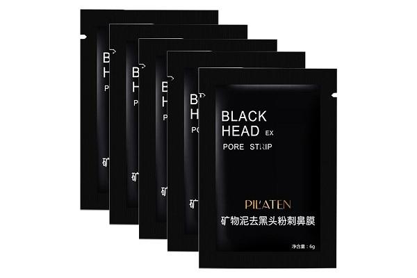 Черная маска от женского акне