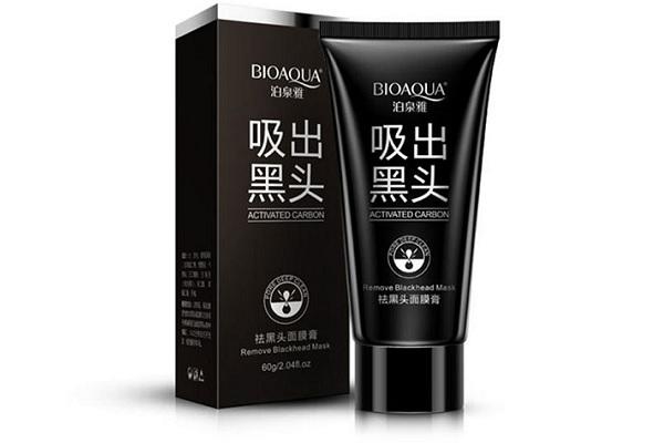 Черная маска для лица от угрей