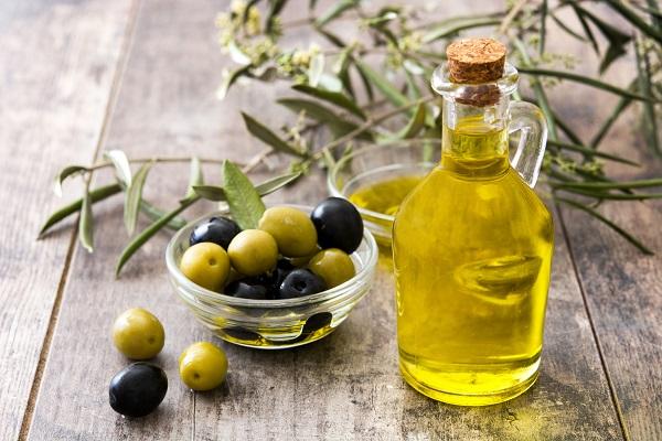 Полезное при прыщах оливковое масло