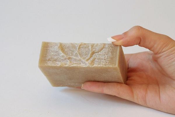 Хозяйственное мыло помогает от прыщей на лице 3